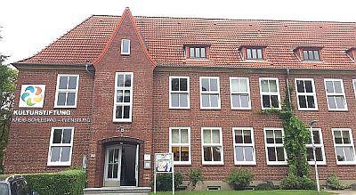 Schleswig Kreismusikchule (Eingang Parkplatz Westseite) Suadicanistr. 1