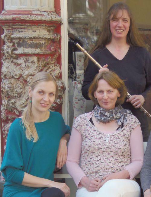 Frøya Gildberg Gesang - Reginhild Staudacker Klavier - Antje Tholen Querflöte