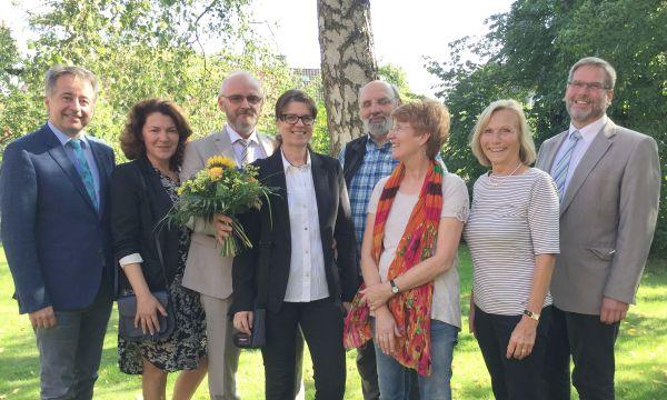 Im Bild von links: Schulleiter Willi Neu, Natalie Gadow, Arno Panske, Katrin Panske-Busch, Werner Schillies, Johanna Geißler-Kako, Regina Wielert, Dirk Wenzel.