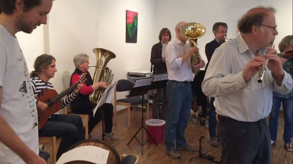 Das Kollegium musizierte zur Verabschiedung Regina Wielert